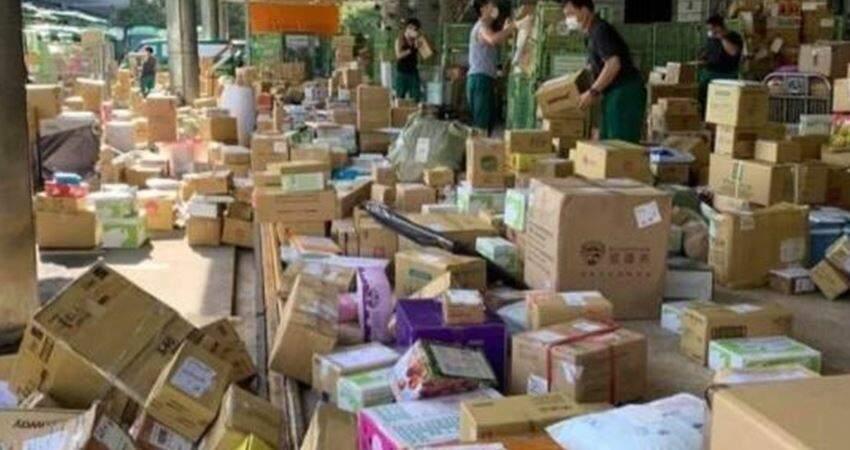 物流不能斷!中華郵政「湧入海量包裹」員工揮汗拚兩日送達